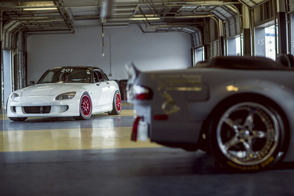 This s2000 gives me bad thoughts. And it goes on track.