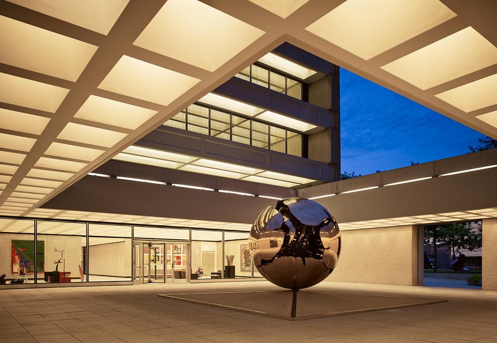 AEG Building  Gordon Bunshaft, SOM  Renovation Architect: BNIM  Des Moines, IA     Return to Projects
