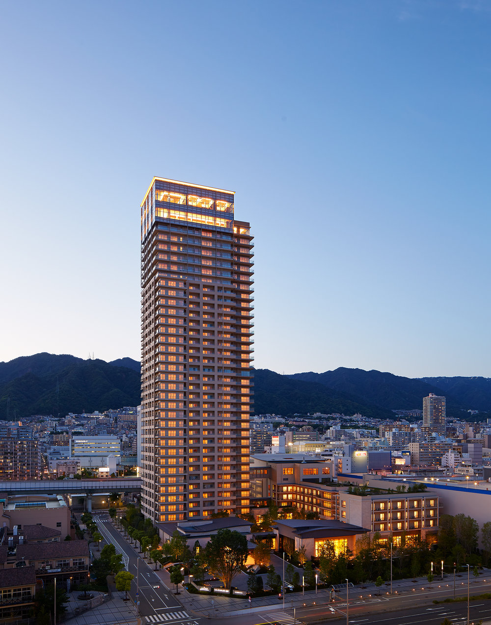 Kobe Tower  Richard Beard Architects  SWA Group  Kobe, Japan      Steve Hall