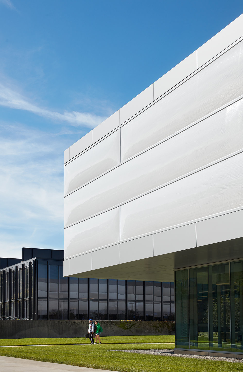"""PUBLICATIONS   Architectural Record , """"Ed Kaplan Family Institute for Innovation and Tech Entrepreneurship by John Ronan Architects""""      IIT Innovation Center  John Ronan Architects  Chicago, IL   View Full Project    Steve Hall"""