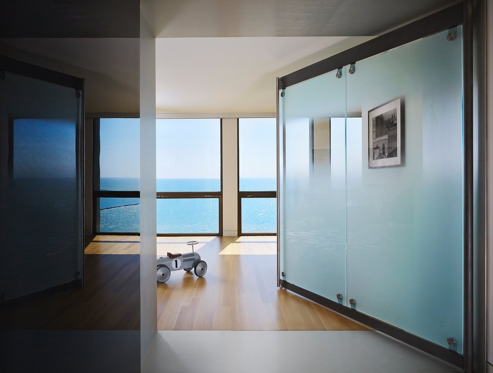 Lake Shore Drive Apartment  Eric Keune  Chicago, IL      View Full Project