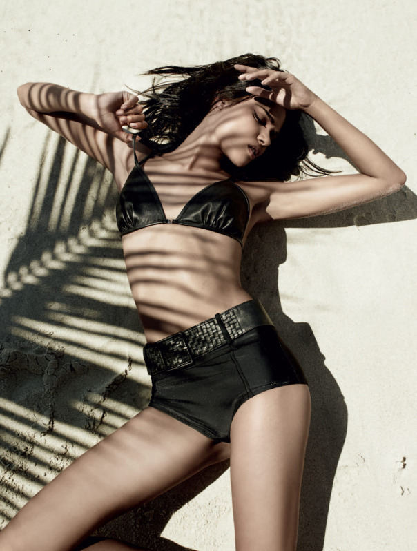 daniela-braga-by-bob-wolfenson-for-harpers-bazaar-brazil-january-2014-1.jpg