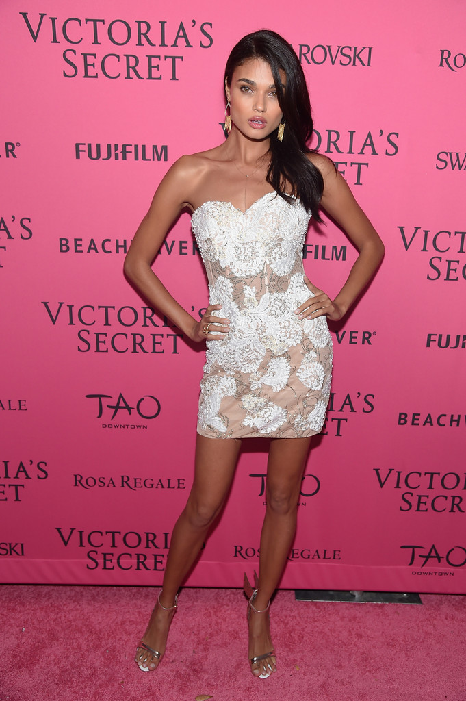 2015+Victoria+Secret+Fashion+After+Party+Pink+e8sAzlBaLcfx.jpg