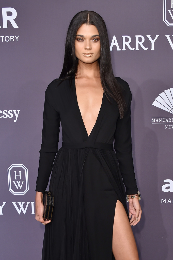 Daniela+Braga+19th+Annual+amfAR+New+York+Gala+xJTge95LVPKx.jpg