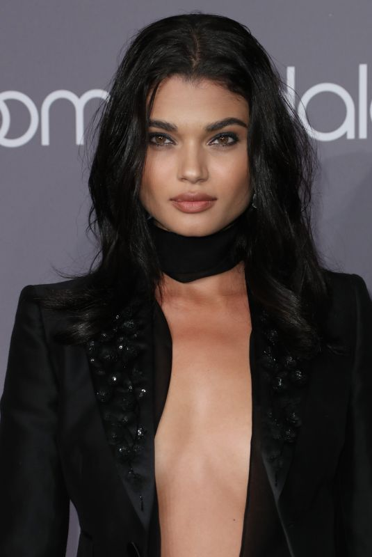 daniela-braga-at-amfar-gala-2018-in-new-york-02-07-2018-3_thumbnail.jpg