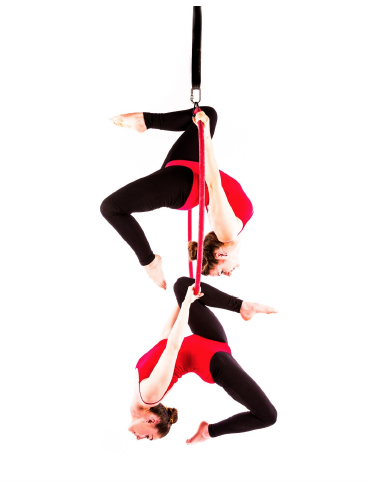 stacking (mirrored) knee hang