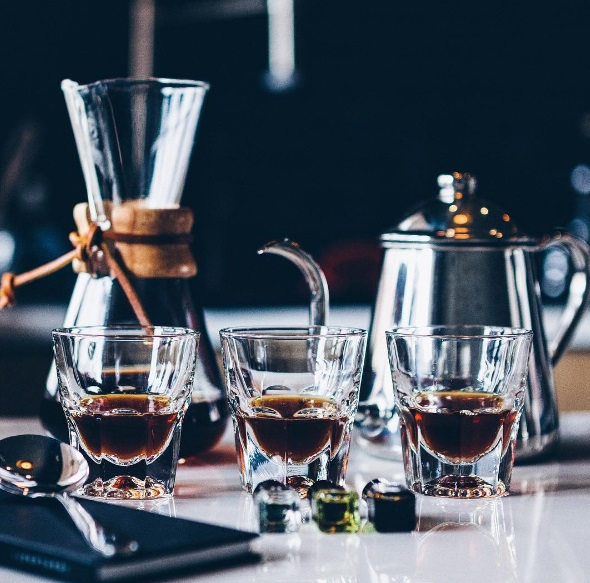 Alma Negra (The cult to the coffee, just outside La Valise)