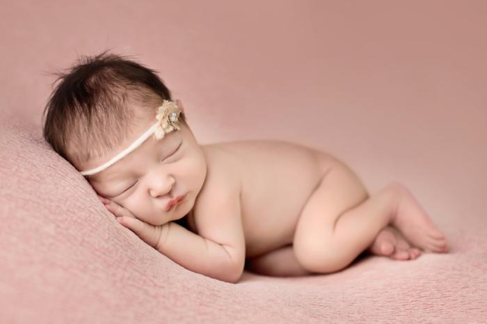 Keller's newborn photo...she was so precious!