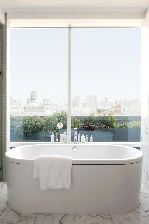 311pent_bath.jpg