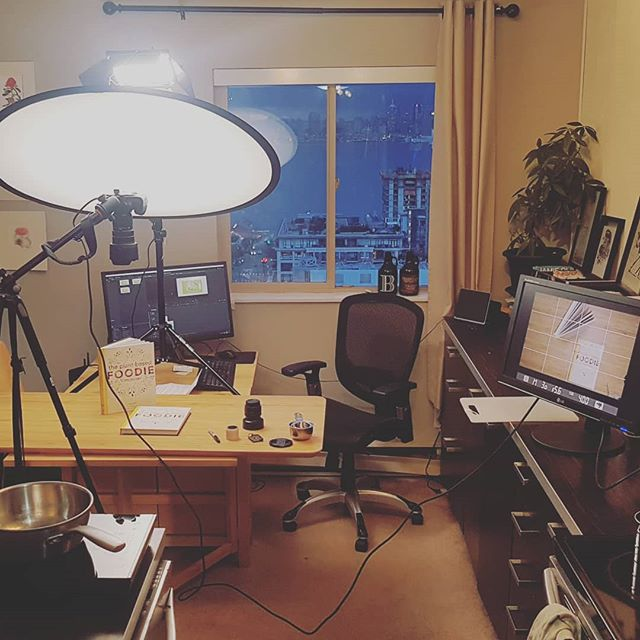 """It was in our tiny one bedder aptmts """"dining room"""", maybe 2.5x2.5m, that I created 4 cookbooks and tested tonnes of recipes... and now it's a video studio! Anyway, I wasn't super happy with the quality of the videos of me making recipes from the book so I've made a few small investments and finally have everything close to awesome. So more vids coming soon! #diningtablebusiness #homestudio #plantbasedfoodie🌱 #plantbased #foodie"""