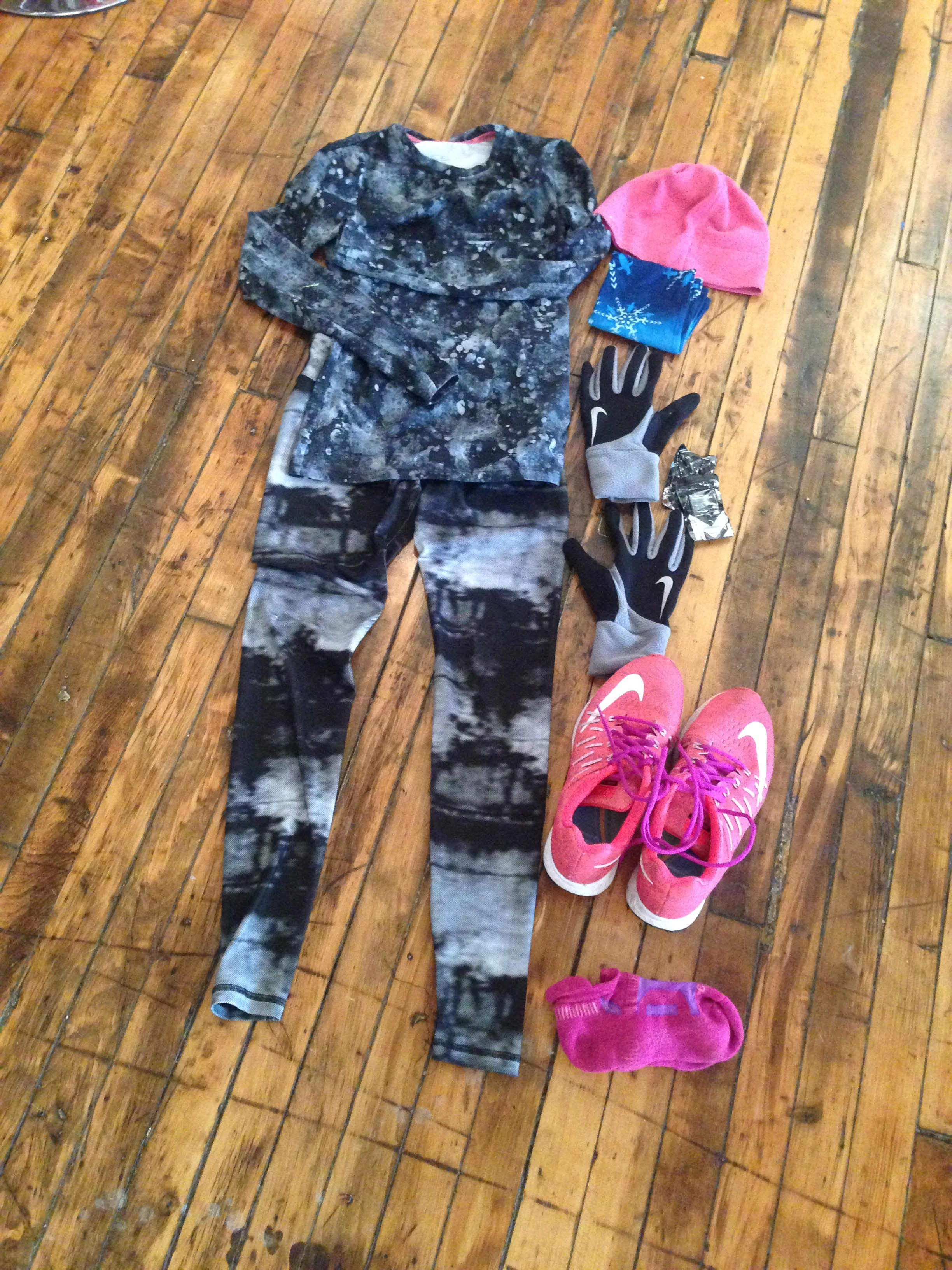 My cold-weather race kit. Not the most attractive combination but it worked. While running, I felt just right. Just warm enough but not constrained.