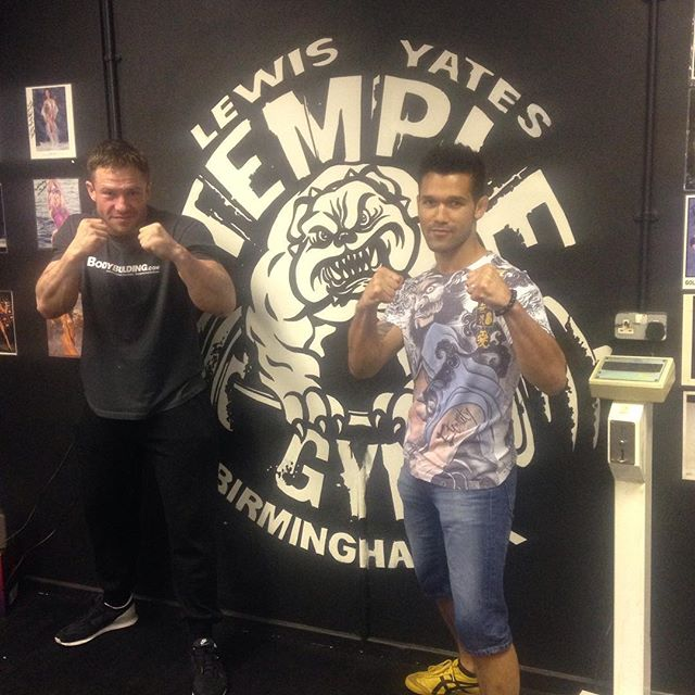 Great to have my brother @vaughanlee pop by @templegymuk !! Special announcement - Temple Gym @vaughanlee will be holding Mixed Martial Arts lessons once a week - limited spaces. Stay posted for more info and dates. 👊 ▪️▪️▪️▪️▪️▪️▪️▪️▪️▪️▪️ #TempleGym #PersonalTrainer #LewisYates #Hardcore #Fitness #MMA #Agility #Speed #KO #Endurance #AlphaMale #Physique #Abs #SixPack #Obliques #Iron #Body #Fighter #BodyBuilding #BodyBuilder #Muscles #Mass #Muscle #Ripped #Cut #HIT #Weights #Fit