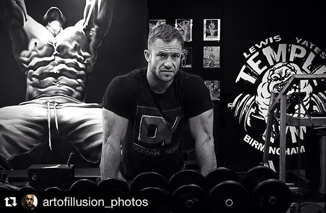 Now let's finish the week strong @TempleGymUK !! ▪️▪️▪️▪️▪️▪️▪️▪️▪️▪️ #Repost @artofillusion_photos (via @repostapp) ・・・ #templegymuk #artofillusion #dorianyates #canon_official #canonphotography #blackandwhitephoto #blackandwhitephotography #TempleGym #Birmingham #PersonalTrainer #LewisYates #Hardcore #Fitness #MMA #Speed #Abs #SixPack #Obliques #Iron #Body #Fighter #BodyBuilding #BodyBuilder #Muscles #Mass #Muscle #HIT #DorianYates #MrOlympia
