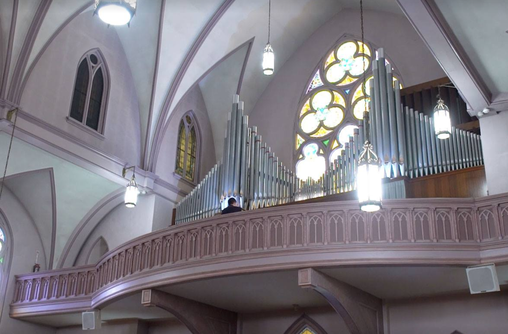 Johannus Ecclesia D-470 hybrid organ in Duquesne, PA with 24 ranks of Reuter pipes. (The Reuter Organ Company, Opus 1335, 1961).