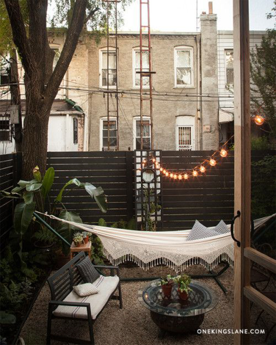 We're sharing 5 ways to make your outdoor space ready for entertaining | Akin Design Studio Blog | Cozy Outdoor Seating Area