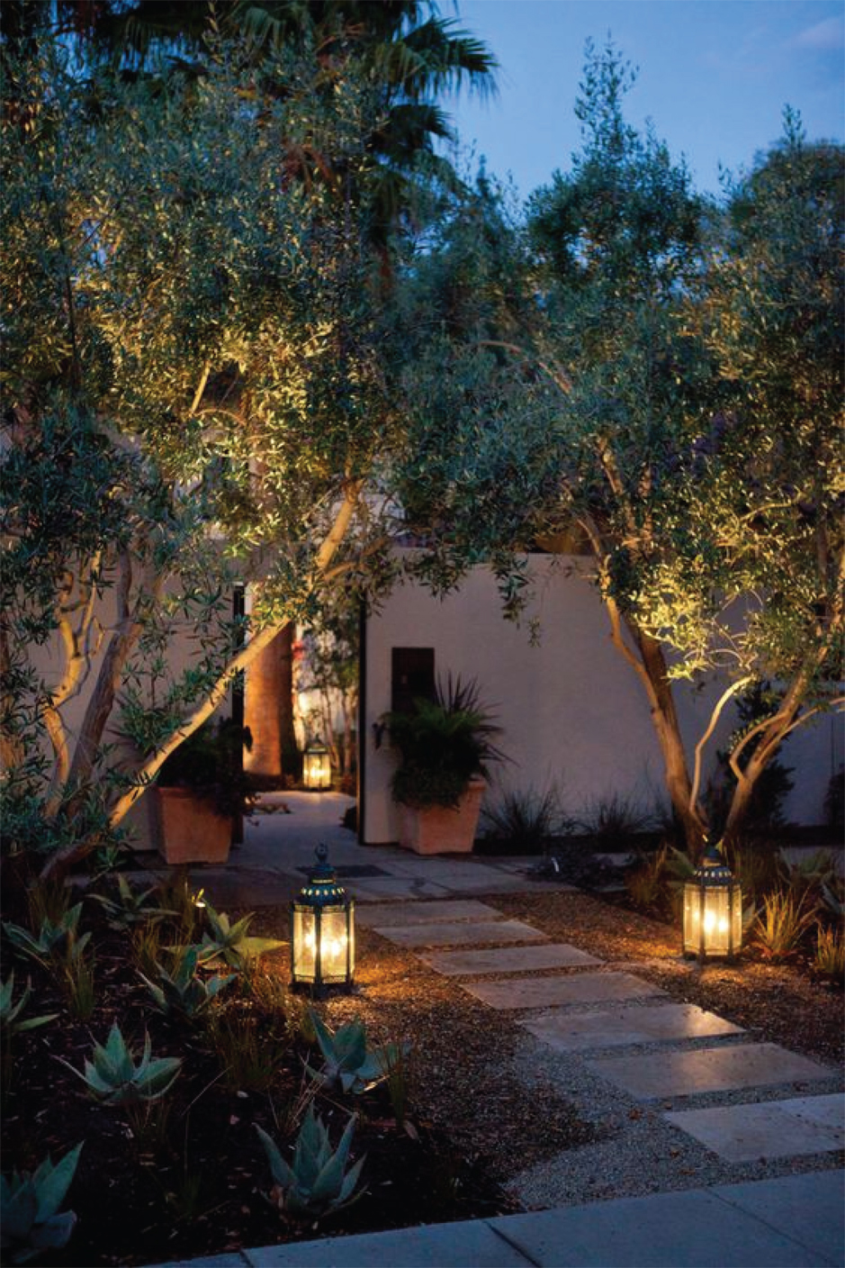 How to Light your Outdoor Space - Entry Lighting  |  Akin Design Studio Blog