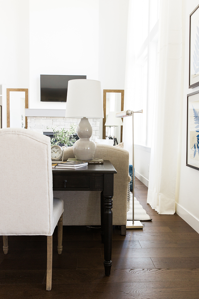 Modern farmhouse living room | Akin Design Studio