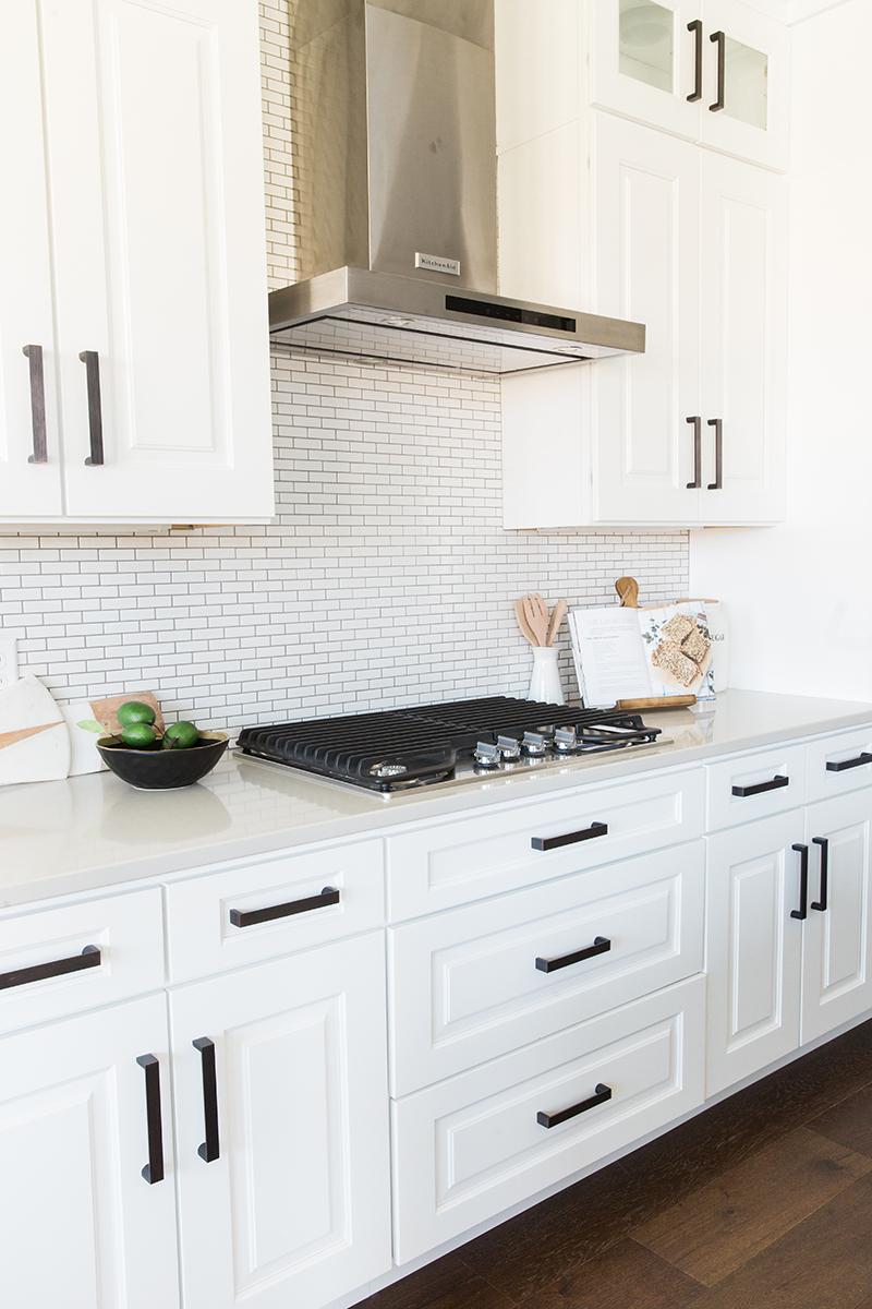Modern farmhouse kitchen design | Akin Design Studio