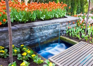 beautiful-green-garden-with-water-fountains-design-ideas