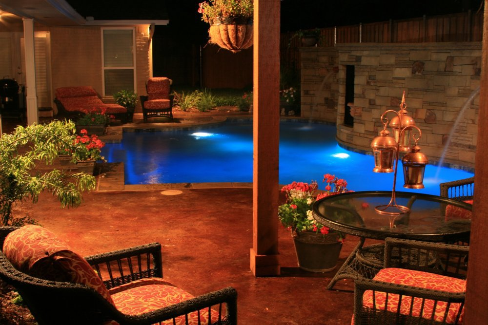 swimming-pool-deck-lighting-water-feature