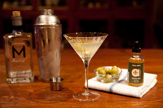 dirty-martini-cocktail-addition-cocktail-spice
