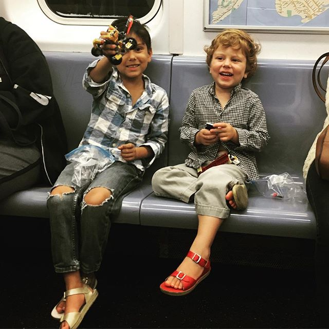 What Lego creation can you make between Atlantic Ave and the Chambers St stop? @parallelcoasts, #legosinthesubway, #legoseverywhere, #legoobsessed, #subwayetiquette, #pleasedontletthemfallontheground, #parallelcoasts, #brooklynbabes