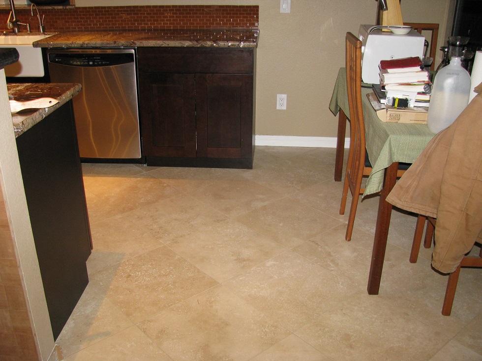 Finished Dining Room Floor and Rootbeer Glass Backsplash.JPG