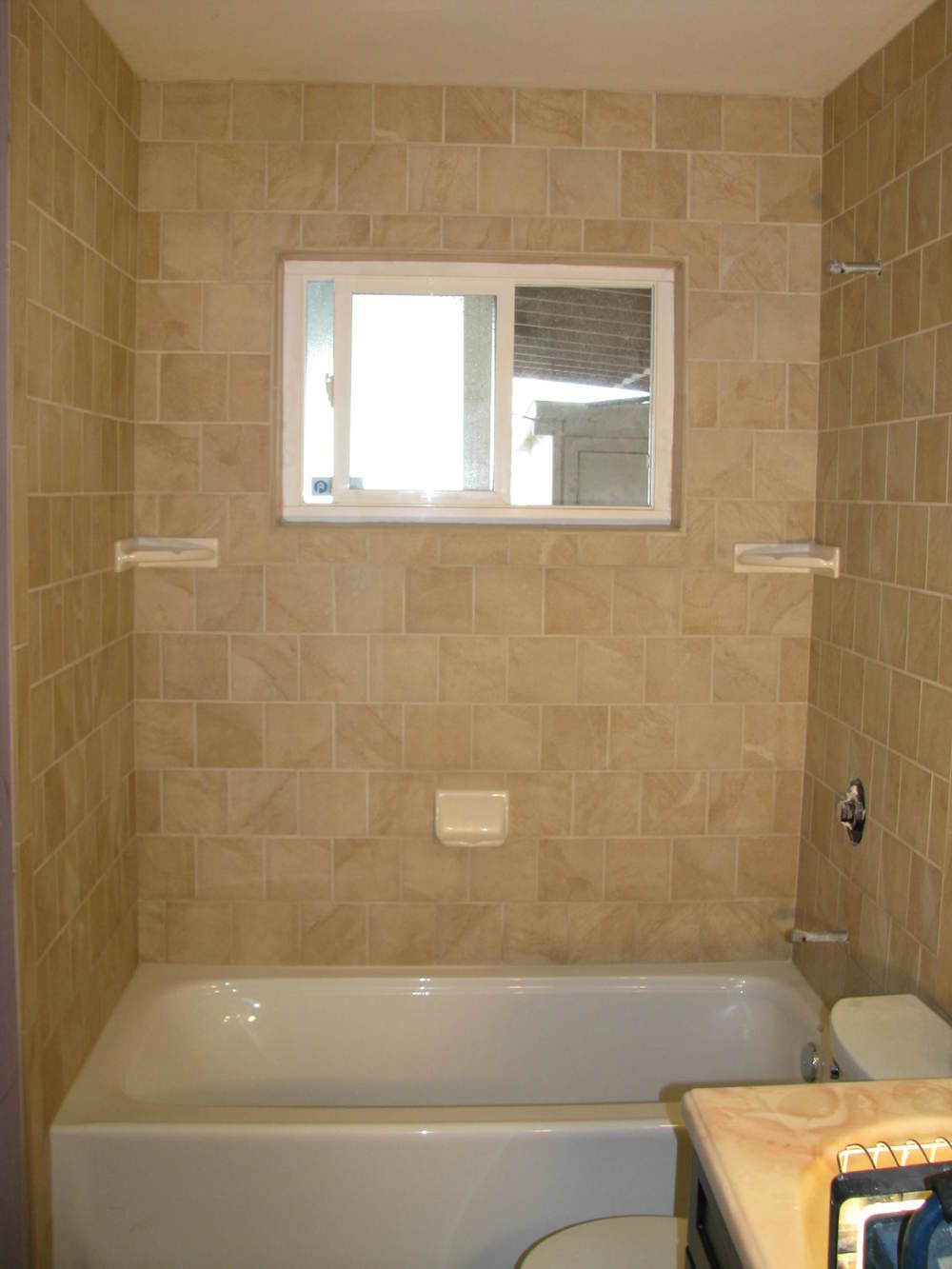 Entire Tub Shower Area.JPG