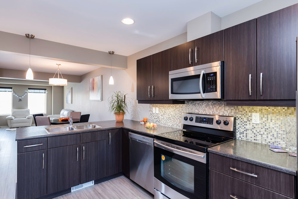 10420 Ancaster Gate Winnipeg-print-006-8-Kitchen-4200x2804-300dpi.jpg