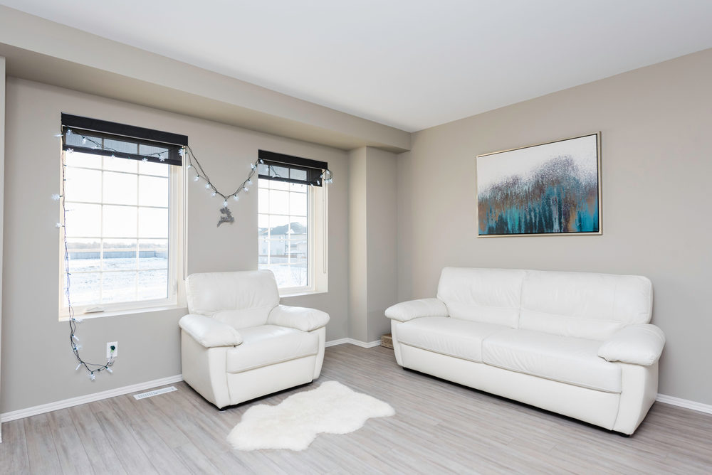 10420 Ancaster Gate Winnipeg-print-012-12-Living Room-4200x2804-300dpi.jpg