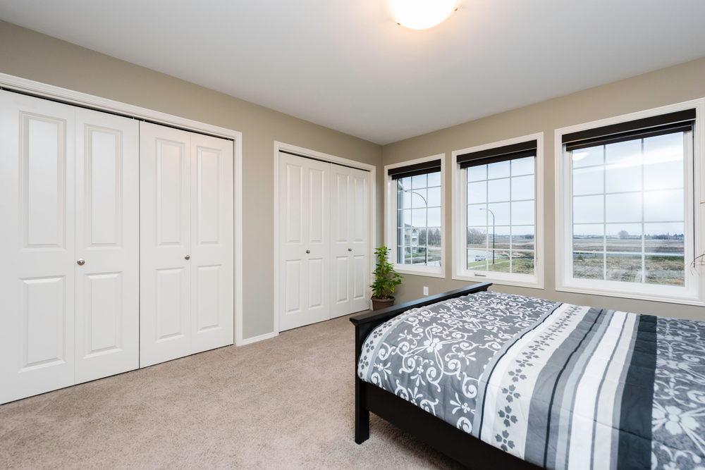 10620 Ancaster Gate Winnipeg-print-014-14-Master Bedroom-4200x2804-300dpi.jpg