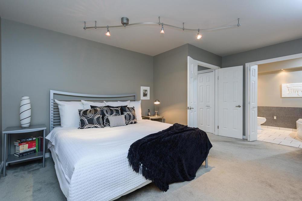 74 Dunbar Crescent Winnipeg MB-large-018-Master Bedroom-1200x801-72dpi.jpg