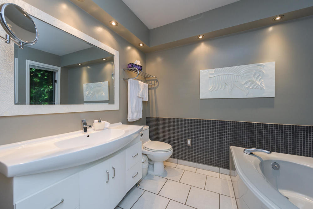 74 Dunbar Crescent Winnipeg MB-large-019-Master Bedroom Ensuite-1200x801-72dpi.jpg