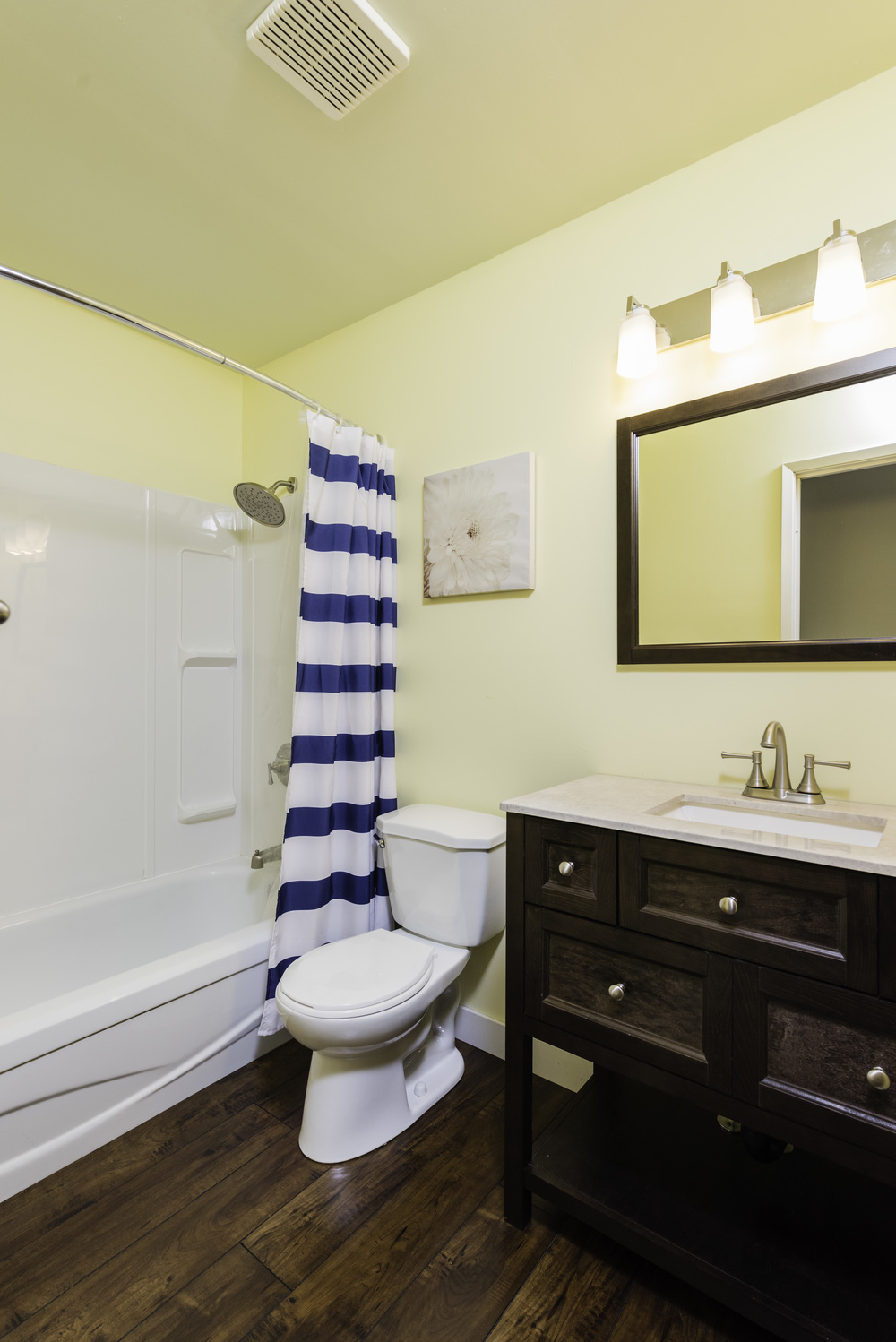 449_augier_avenue_MLS_HID972598_ROOMbathroom1.jpg