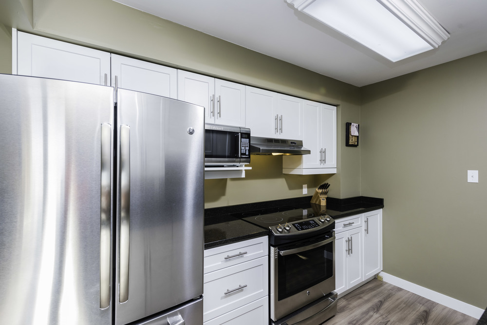 449_augier_avenue_MLS_HID972598_ROOMkitchen.jpg