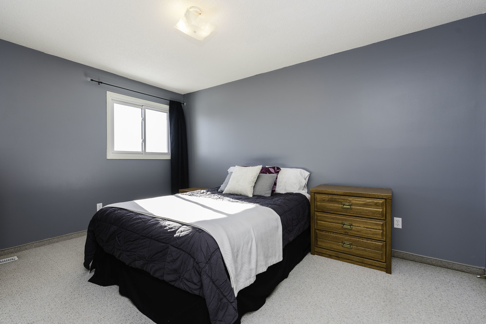 449_augier_avenue_MLS_HID972598_ROOMmasterbedroom1 (1).jpg
