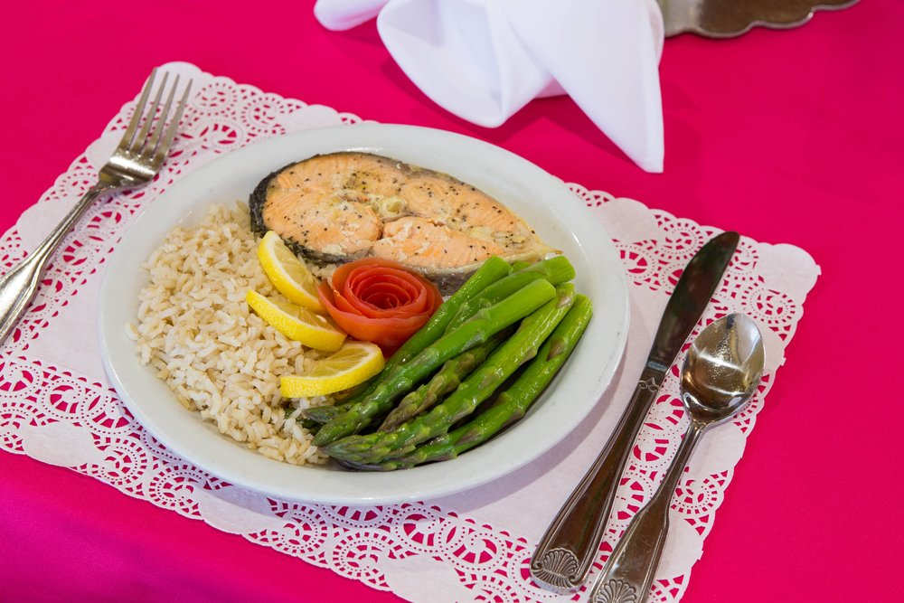 healthy food at a skilled nursing facility