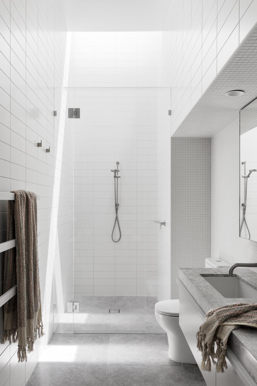 Bower Architecture_Fawnker House 3 bathroom .jpg