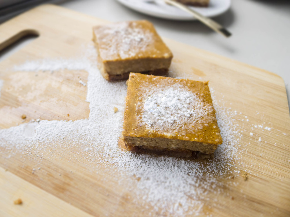 Maple Pumpkin Bars with Almond Crust