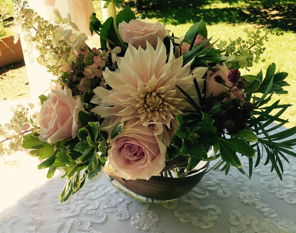 Blush centerpiece with Cafe a Lait dahlias & hydrangeas