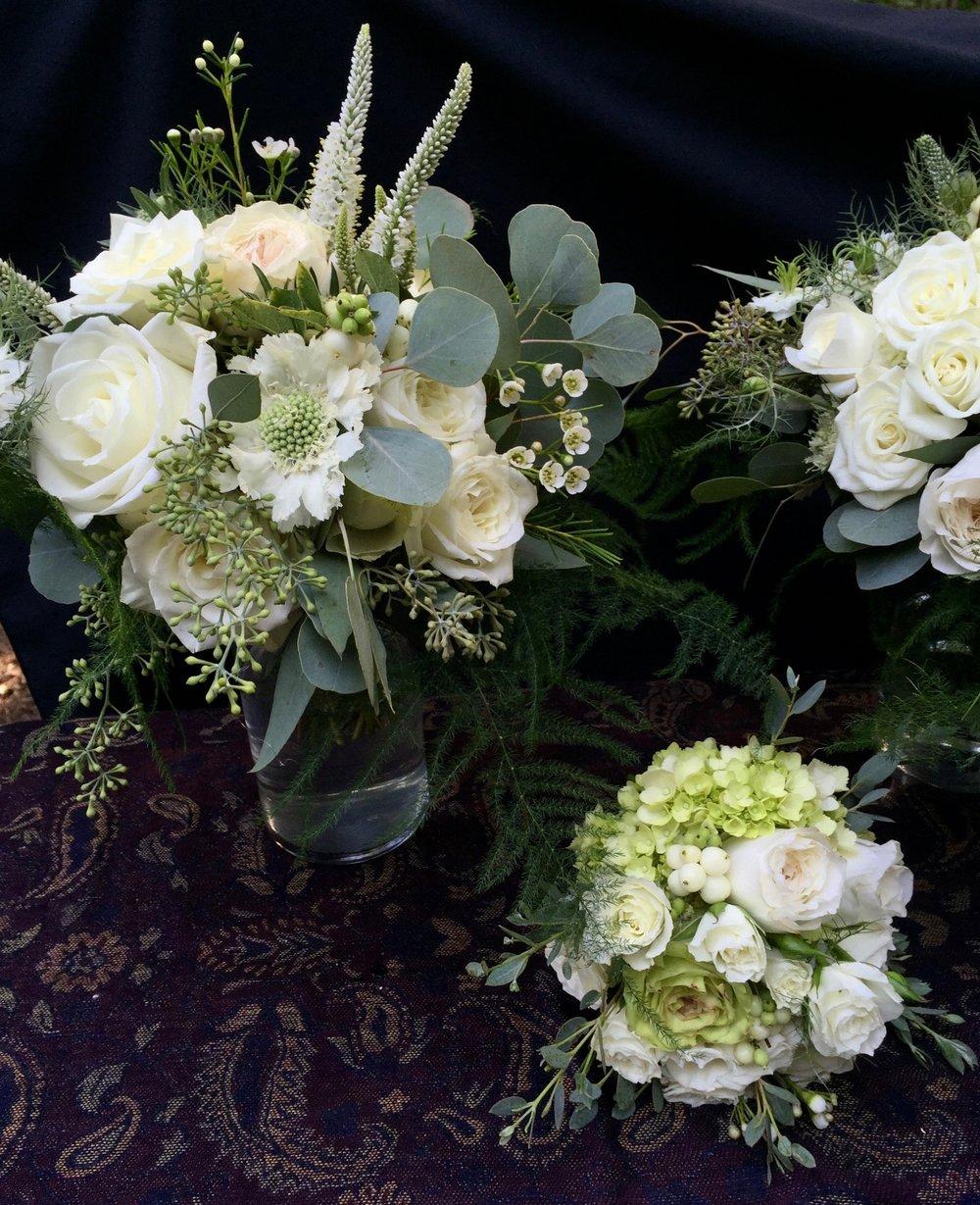 White bridesmaid romantic bouquet