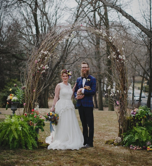 Rustic and twiggish arch with a Bohemian touch.   via greenweddingshoes.com Fall's Flowers.