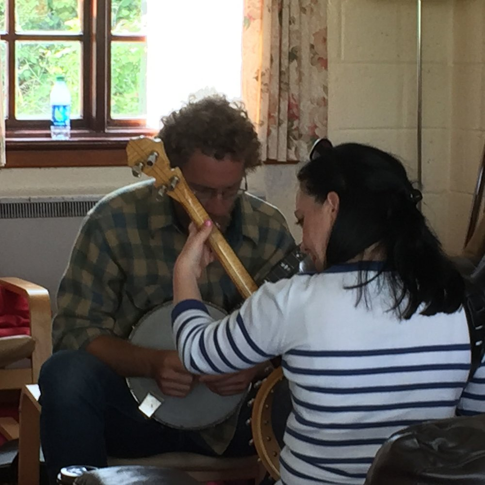Tenor banjo class with Angelina Carberry