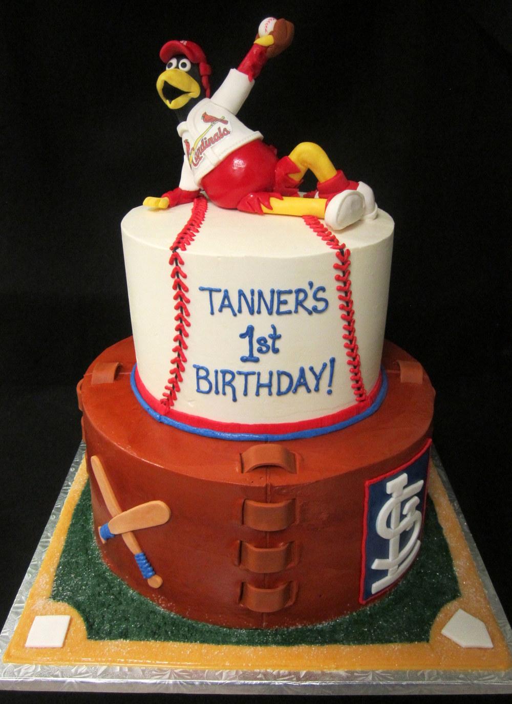 cardinals fredbird baseball cake.jpg