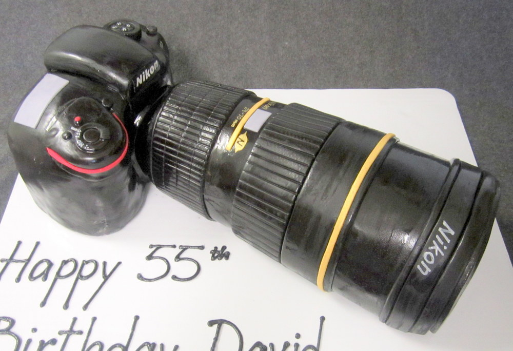 3-D nikon slr camera cake.jpg