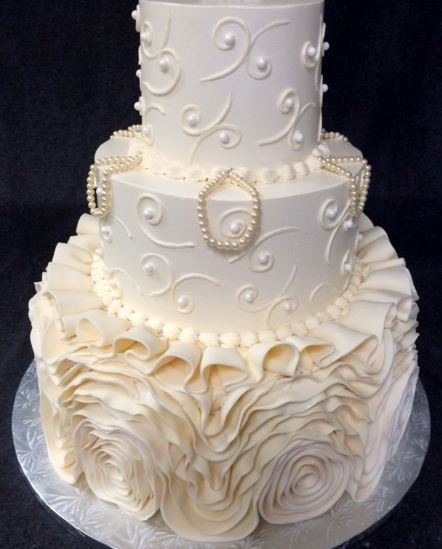 wedding cake-fondant layers and folds.jpg