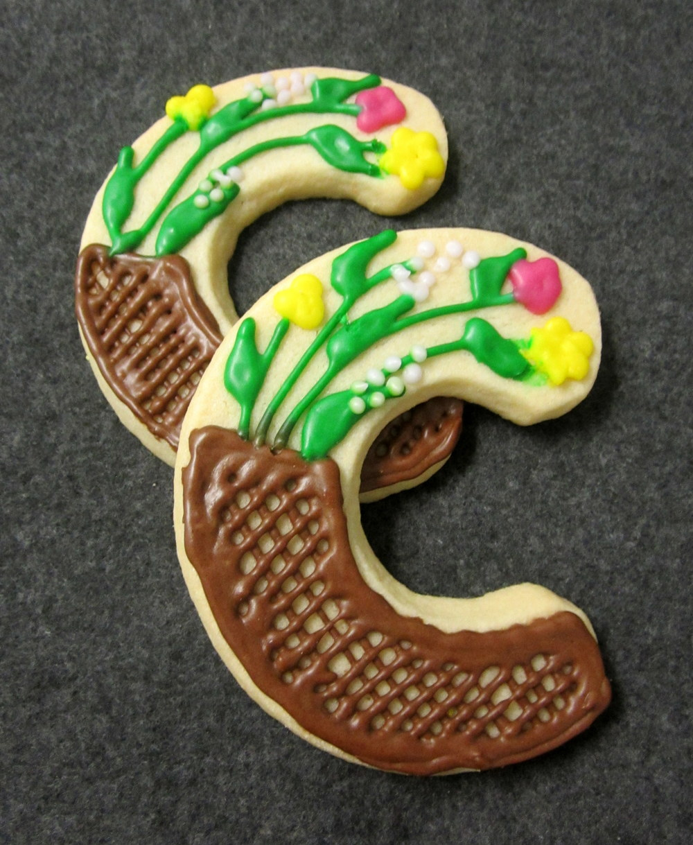 sugar cookies-c with garden.JPG
