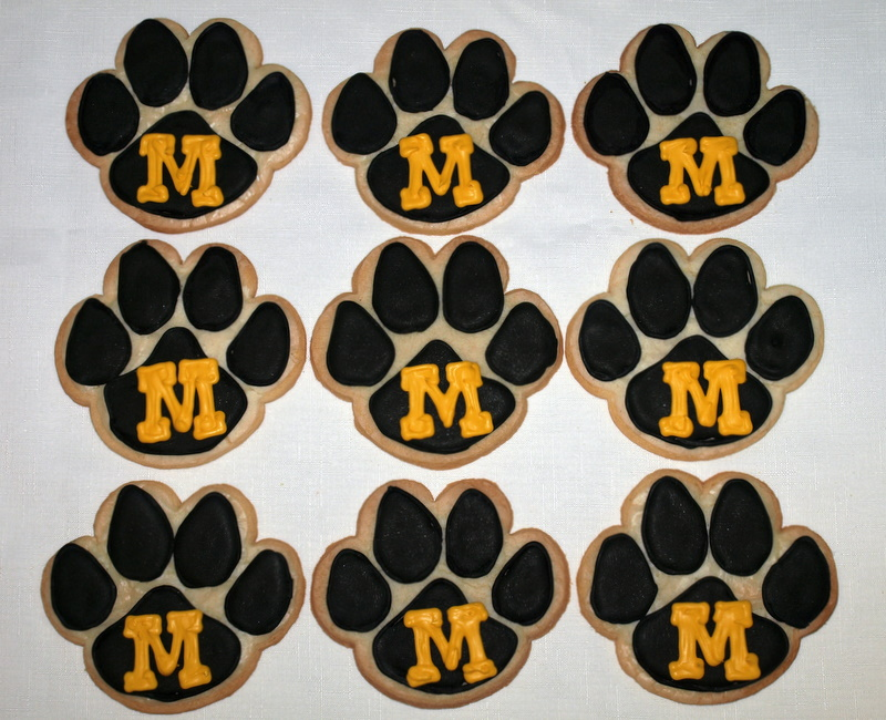 mizzou_pawprint_cookies.JPG