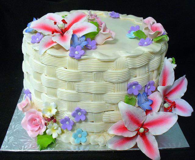 asiatic_lily_basketweave_cake.JPG