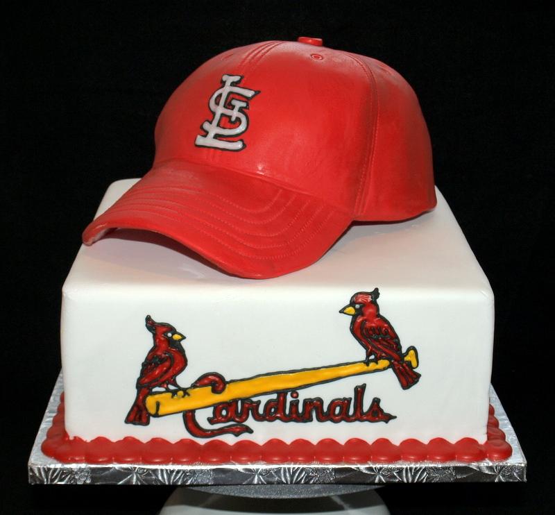 cardinals_cap_cake.JPG